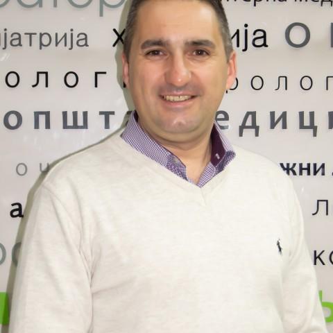 Dr Vladan Mladenović